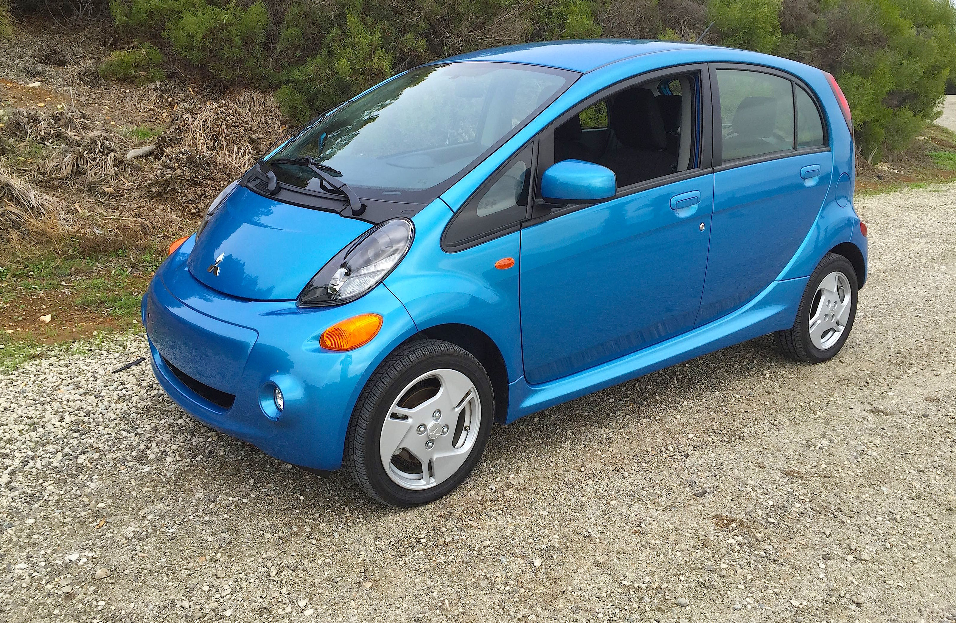 2014 Mitsubishi i-MiEV Review – Good Things Come in Small Packages ...