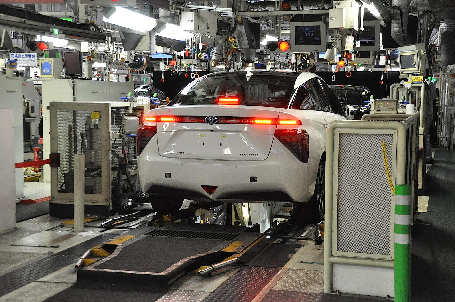 Building the toyota mirai in japan a fascinating look at for Production builder