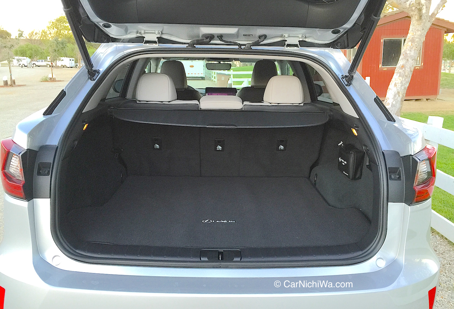 2016 lexus rx 350 review we spend a week driving this bold new crossover carnichiwa. Black Bedroom Furniture Sets. Home Design Ideas