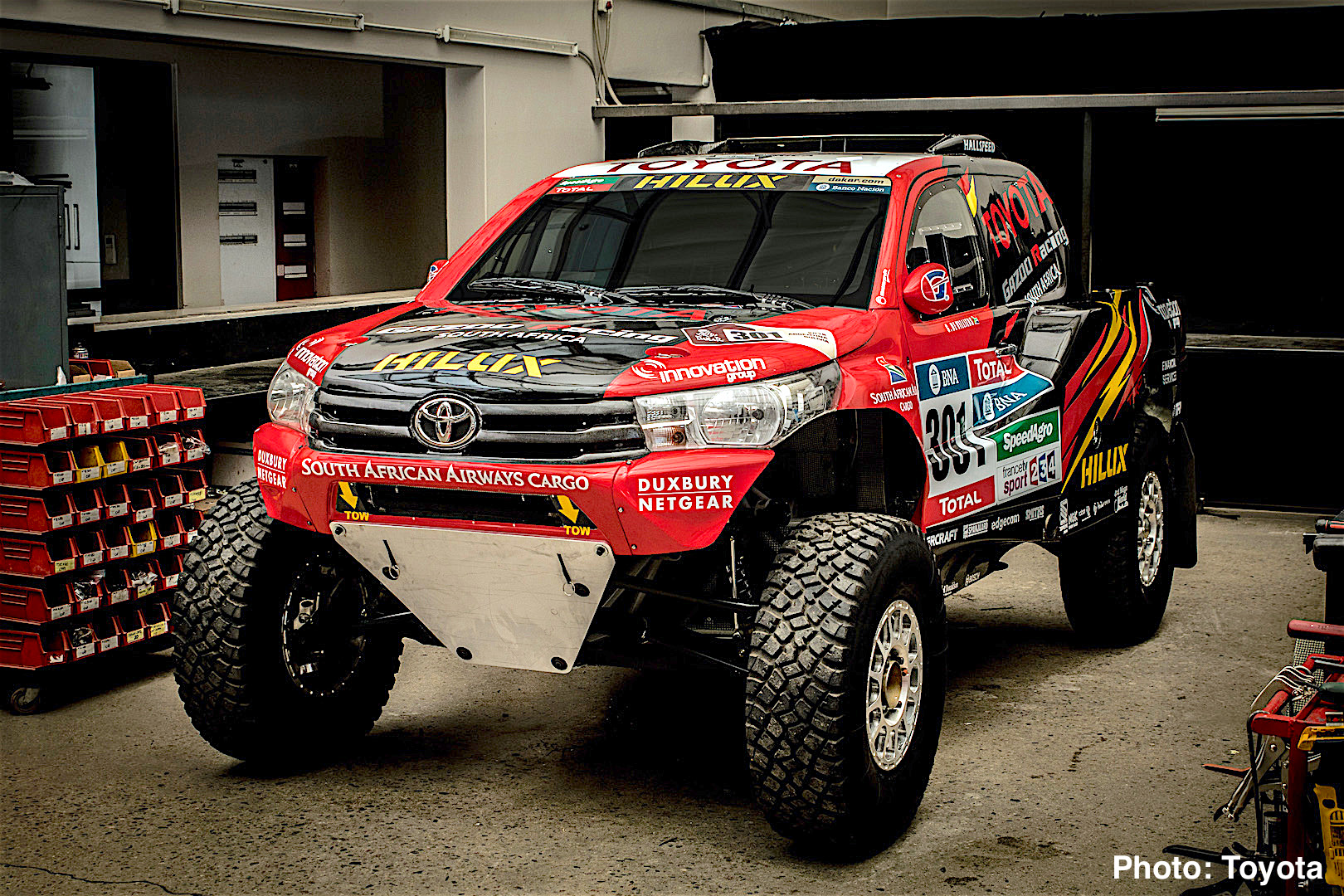 Toyota Hilux Evo Mid-Engine V8 Truck Revealed – 2017 Dakar Rally ...